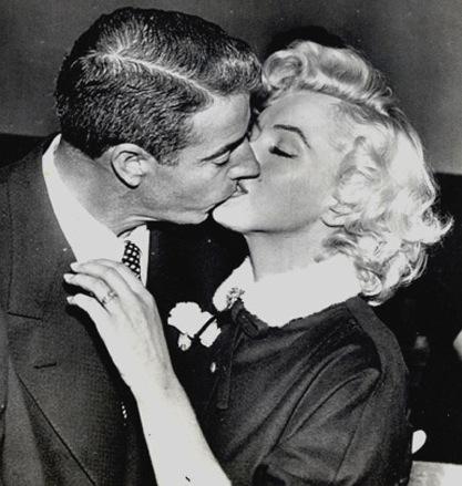 1954Jan14_SanFrancisco_CityHall_TailleurNeroFiore_Matrimonio
