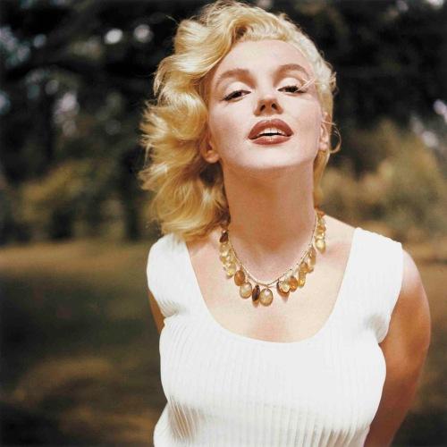 Monroe__Marilyn__026_n