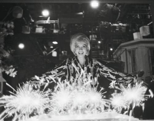 Marilyn juhlimassa syntymäpäiviään vuonna 1962.